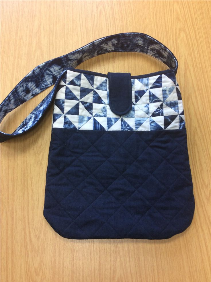 The Denim Pinwheel bag is the latest addition of Juberry bag patterns! It's not yet on the website, so give us a call on 0800 6444 896 if you're interested.