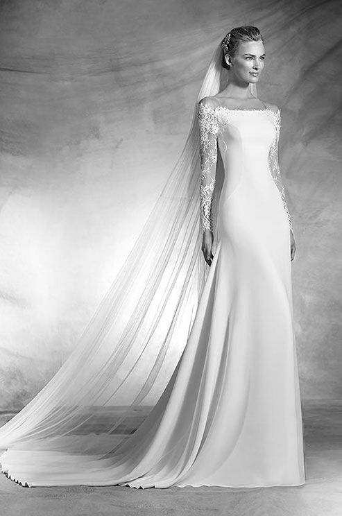 Made by hand in the heart of the maison, this superb quality Pronovias 2016 wedding dress collection features wonderfully elegant, innovative designs, sumptuous fabrics, pure, sophisticated lines and delicate details.
