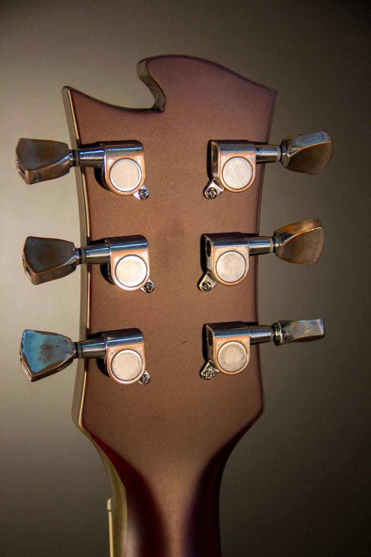 Les Paul Biomechanic. Design: Cristh Rod Guitars  www.cristhrodguitars.com