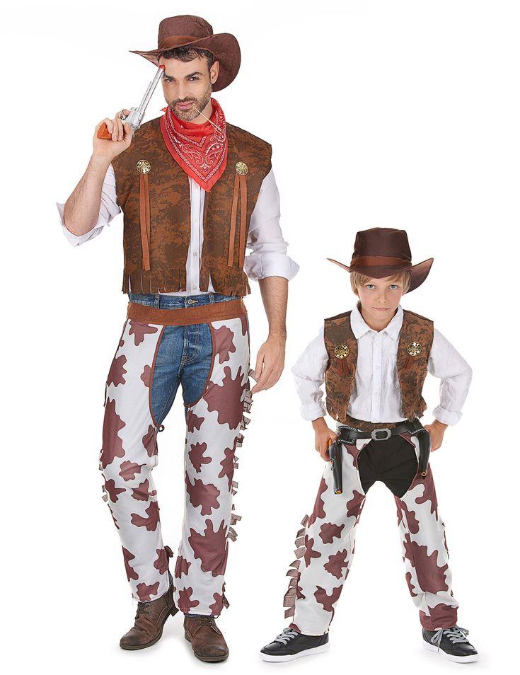 Cowboy kostuum Vader en Zoon: Luxe cowboykostuum voor jongensDit luxe cowboypak bestaat uit een gilet in nepdaim met kleine gouden wapenschildjes en franjes. Dit kostuum bestaat ook uit een overbroek in kalfsleer, een rode...