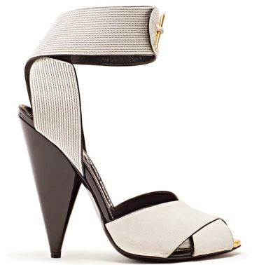Tom Ford heels... #shoes #strap https://twitter.com/DazzleMeDeals