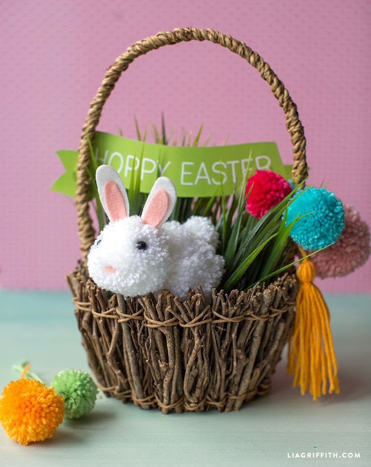 Easy #KidsCraft at www.LiaGriffith.com: