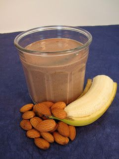 Prepara tu Chocolatada saludable.: Almonds Butter, Smoothie Photos, Health Food, Chocolates Shakes, Healthy Eating, Superfood Smoothie, Chocolates Superfood, Healthy Food, Almonds Milk