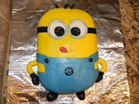 *MeG's CreAtive CoRNer*: Despicable Me, Minion cake