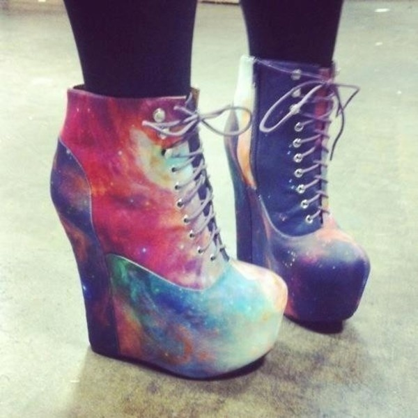 I love these galaxy shoes! I don't think I could ever wear them though...