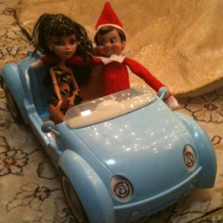 Elf on the shelf~ date with Cleo