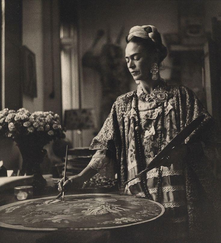 """huariqueje: """"  Frida painting - Bernice Kolko c1953 Polish 1905-1970 Photography """""""
