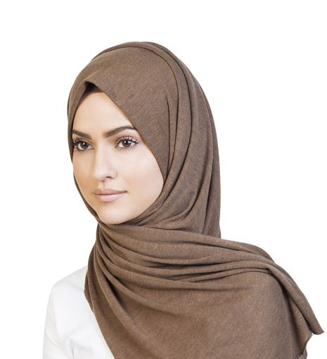 Brown Knitted Hijab - €19.41 : Inayah, Islamic Clothing & Fashion, Abayas, Jilbabs, Hijabs, Jalabiyas & Hijab Pins