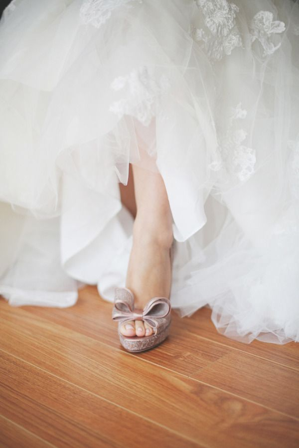 peep toes peeking out...Photography By / closertolovephotography.com, Floral Design By / commerceflowers.com