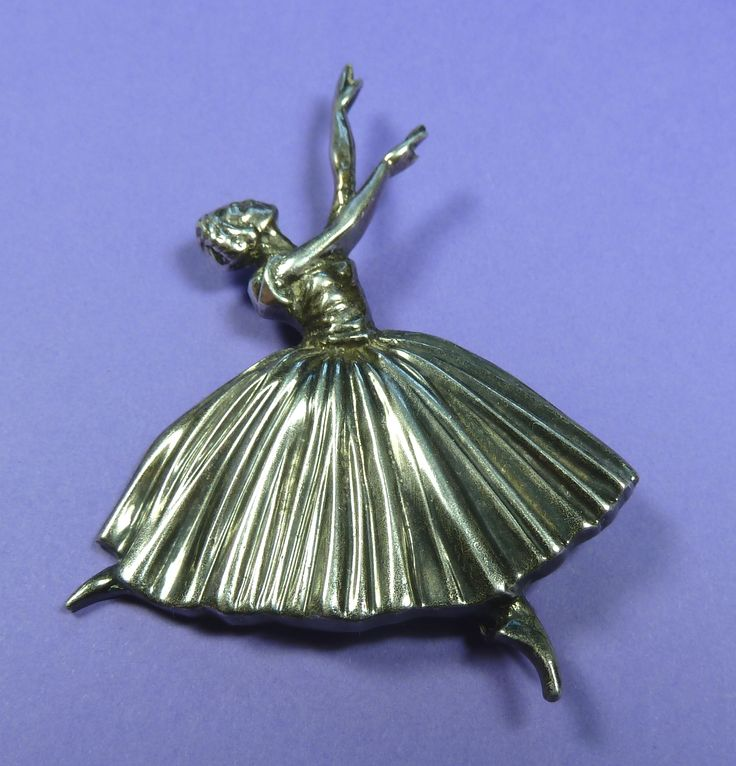 The large silver ballet dancer brooch made by Frederick Massingham in 1949.  Photographed by Gillian Horsup.  #SilverBalletDancerBroochMassingham