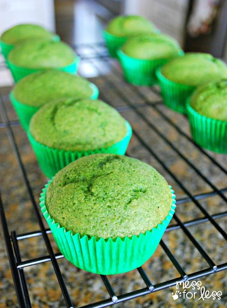 Spinach Muffin Recipe - Healthy and Delicious! [3/4-cup puréed spinich]