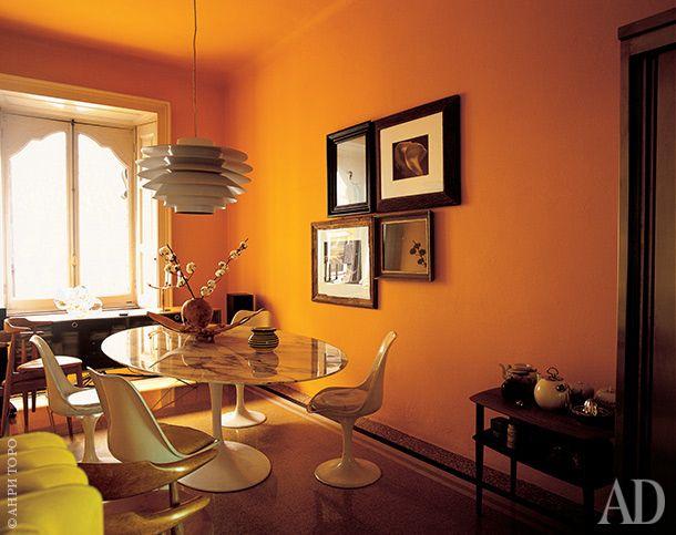 Столовая. Cтулья Tulip и обеденный стол, дизайнер Эро Сааринен, Knoll International. Лампа, дизайнер Исаму Ногучи.
