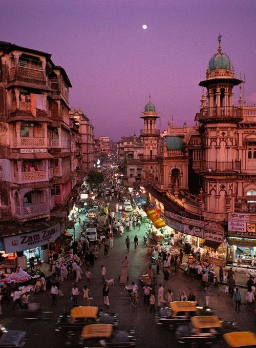 Beautiful Bombay - India (photo by Steve McCurry)