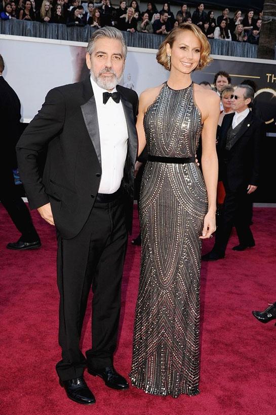George Clooney en Giorgio Armani et Stacy Keibler en Naeem Khan