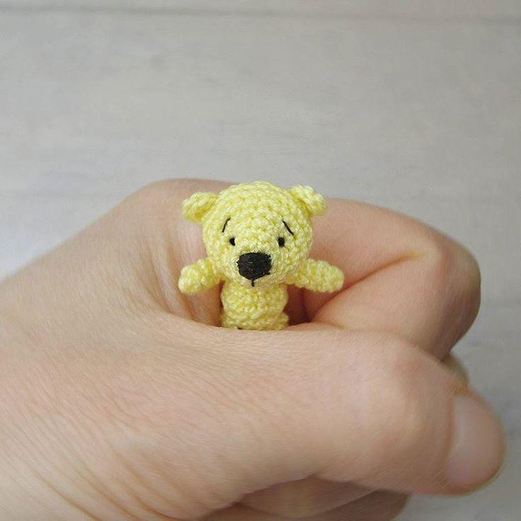 49 отметок «Нравится», 5 комментариев — Вязаные игрушки 🐻 (@crafts.by.nats) в Instagram: «Схватить и больше не отпускать! 😊  Мишка продаётся. 450 р. + стоимость доставки.»