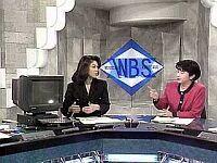 お笑いパソコン日誌 1997年4月 昨日、「オラクルオープンワールド 1997」で講演するためにオラクルの CEO が来日し、ようやく日本のメディアも NC の話をするようになった。 「いつかアップルの NC が見られますか」といった質問で「たぶん」という答えを引き出したのは、まあささやかではあるが(買収への意欲を伺わせる)、インタビュワーのお手柄といってもよい(贔屓の引き倒し)。どうせなら、昨日発表されたアップルの業績(もちろん悪化した)をからめて背景説明をすればもっとよかったけれど。