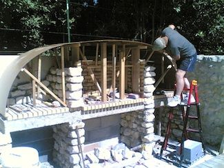Preparation construction avaloir barbecue projets for Construire un four a pizza exterieur