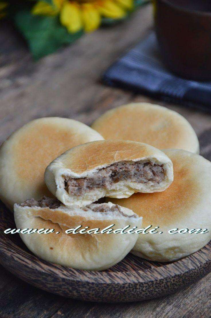 Diah Didi's Kitchen: Roti Pia Basah Isi Kacang Merah