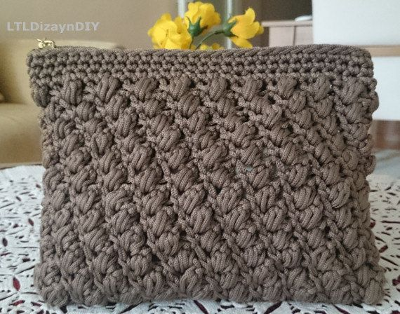zippered clutch bag in soft browncrocheted zipped by LTLDizaynDIY