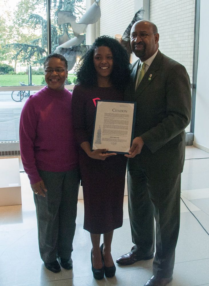 """Moore College of Art & Design – MAYOR NUTTER HONORS DOM STREATER '10, """"PROJECT RUNWAY"""" WINNER, AT MOORE"""