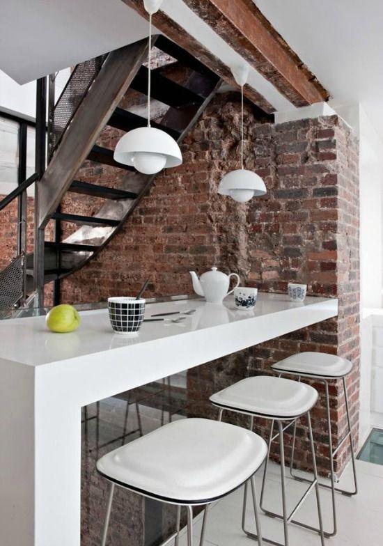 Vroeger werd er in een kleine keuken in plaats van een tafel een bar gemaakt ...