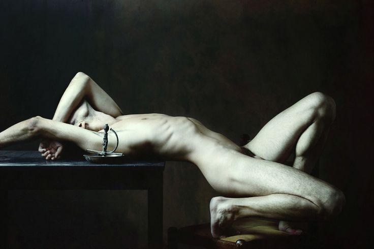 http://www.apar.tv/art/olivier-valsecchi-les-corps/