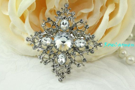 BOUQUET Retro Look Rhinestone and Acrylic brooch pin. These are Cute and Dainty, with a Vintage Style Look!    This listing is for 1 piece.    Sizes approx. 57 mm x 57 mm, Can be used for Bridal Bouquet ,Ring bearer pillow, bridal Sash,Bridesmaid Sash, Wedding Cake, or add it to hair comb, shoe clip, bridal garter, corsage, etc...    We ship USPS First Class Mail with Tracking Number and Delivery Confirmation.    Please Note that color may vary slightly depending on your monitor settings…