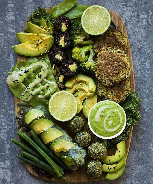 The green platter by @rainbownourishments   Black rice avocado sushi Zucchini fritters Rice paper roll filled with rice, avocado and kale Sliced avocado sprinkled with dukkah Matcha bliss balls Blanched snow peas Broccoli Green beans  Pepitas Pistachios Raw kale Tahini kale sauce Lime Enjoy!  #vegancommunity #GoVegan #vegan #veganism #vegano #whatsveganeat #Vegetarian #veganpeople #crueltyfree #veganfood #vegansofig #eatclean #cleanfood #Organic #allnatural #plantbased #healthy #vegangirl…