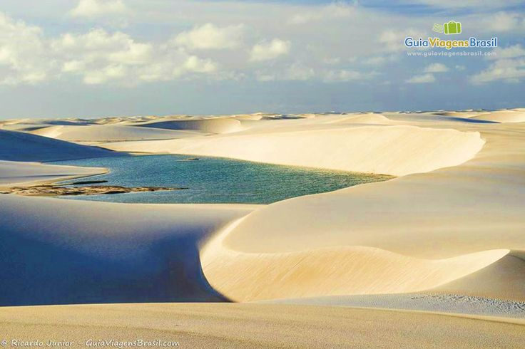 O Parque Nacional dos Lençóis Maranhenses tem dunas incríveis, que transformam…