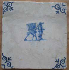 antieke tegel met  Schilder  ( Zeldzaam )