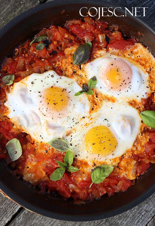 Jajka w pomidorach (szakszuka)
