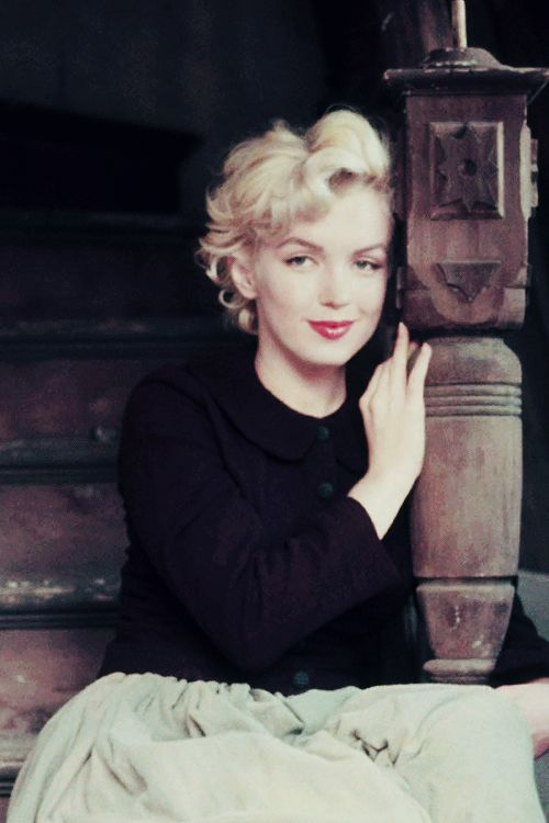 """ Marilyn Monroe photographed by Milton Greene, 1954 """