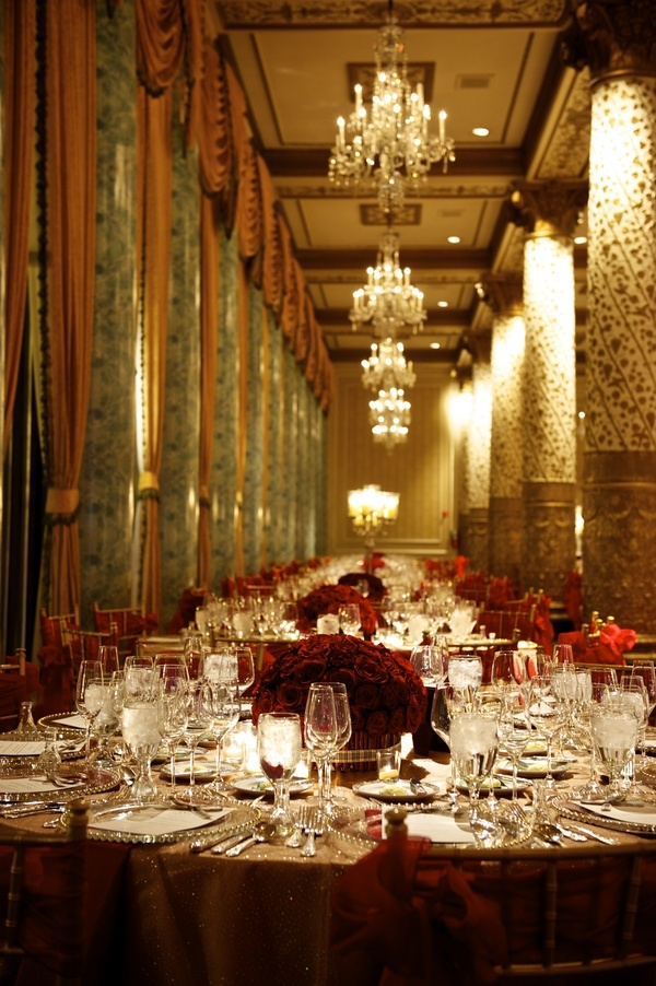 Red Reception At The Drake Hotel Chicago Imagine Black Table Cloth Flowers