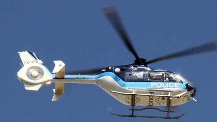 Ελικόπτερο της Αστυνομίας πάνω από το Παλαιό Φάληρο  ΤΩΡΑ
