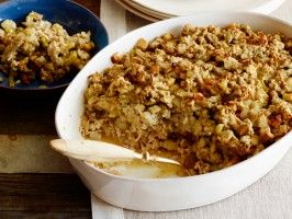 Call it a one-pot Thanksgiving meal: Rachel bakes seasoned ground turkey in a casserole dish with apple and celery stuffing, creating a make-ahead meal that can be reheated just before serving.