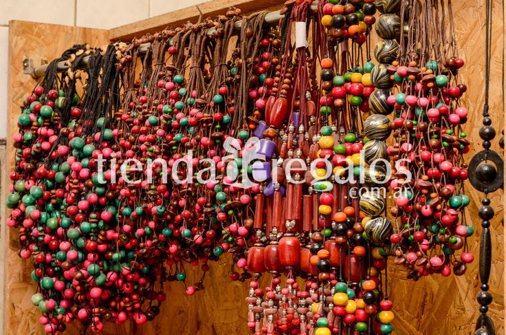 Hoy en #TIENDADEREGALOS entro nueva mercadería en bijouterie ¡!! Nuestra propuesta pasa por una cuidada selección de collares, pulseras, pendientes, esclavas, dijes, hechos artesanalmente y con materiales naturales, en un estilo étnico y original.  PRECIOS SIN COMPETENCIA !!! en bijouterie de INDIA -INDONESIA y BRASIL . VENTA POR MAYOR !!!! Te dejo imágenes para que visualices ... NO TE QUEDES SIN LA TUYA...!! Comunícate al 3548-437146 de 08:00 a 16:00 hs