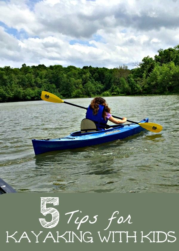 Summer Fun for Families -- kayaking with kids! Find out what you'll need, where to rent kayaks & more great tips! #ad
