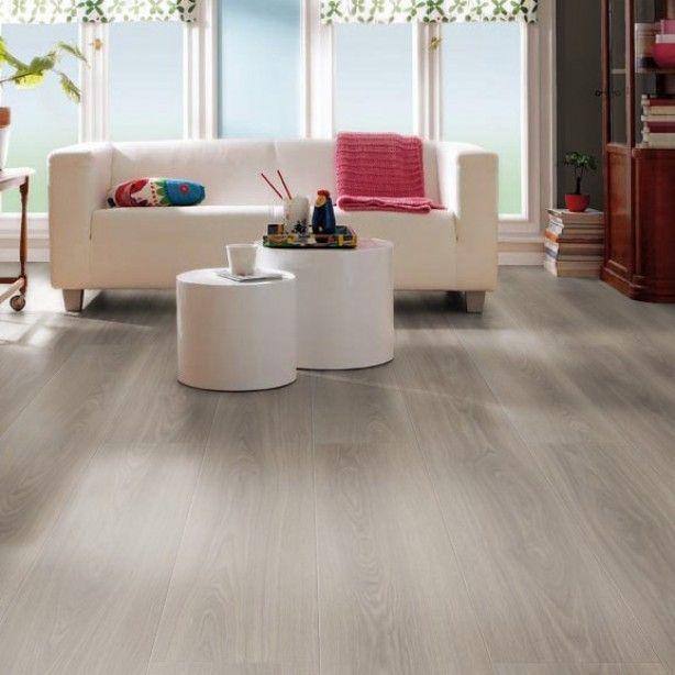Haro Gran Via V4 Eiken Antiek Grijs 526704 is een prachtige grijze laminaat plank met een lengte van 2,20 meter met rondom de plank een vgroef. Verzekerd van een zeer luxe uitstraling!
