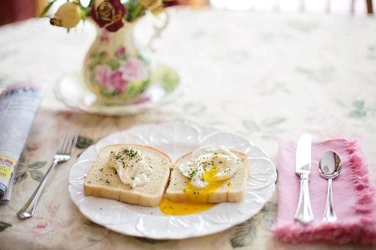 Een gezond ontbijt maakt deel uit van ieder gezond eetpatroon en zorgt voor een goede start van je dag. Ons ontbijt is één van de belangrijkste maaltijden van de dag. Het zorgt voor voldoende energie zodat je zonder honger of trek in ongezonde tussendoortjes je lunch of middagmaal haalt  Een gezond ontbijt is in de eerste