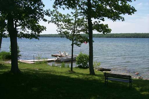 Maple Grove Cottages - Big Lake - Manitoulin Island