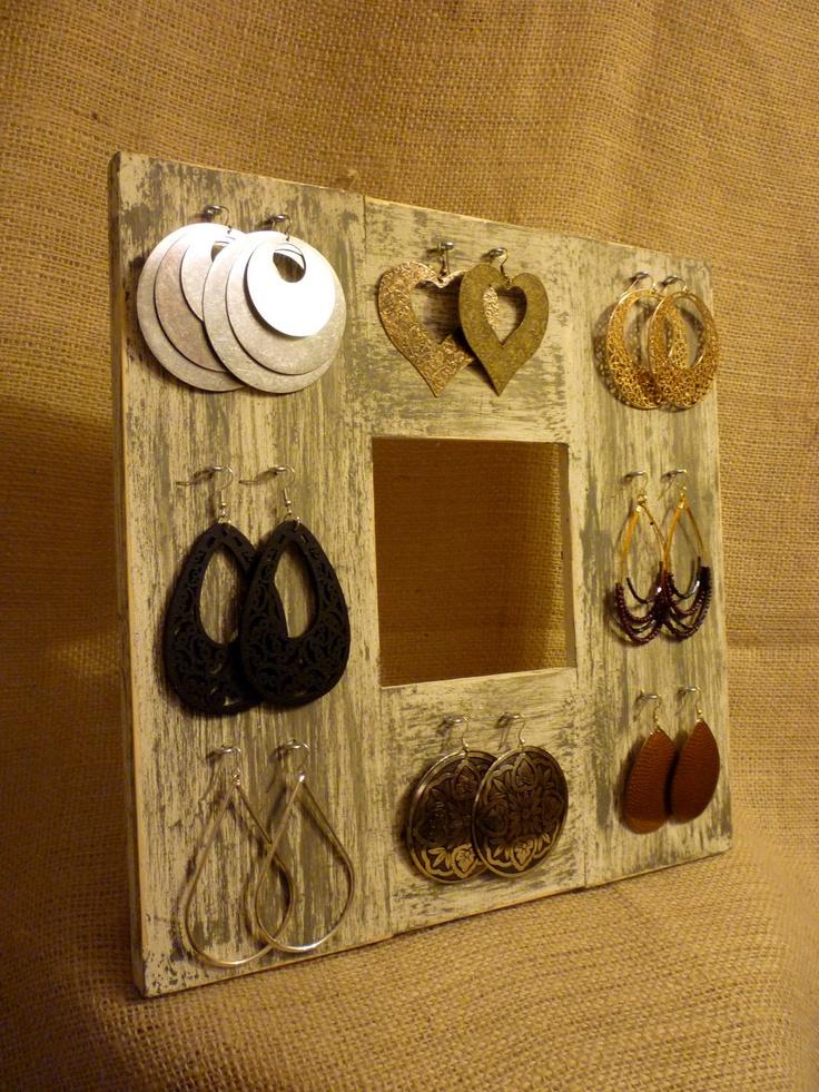 Pi di 25 fantastiche idee su organizzare orecchini su - Porta orecchini a libro ...