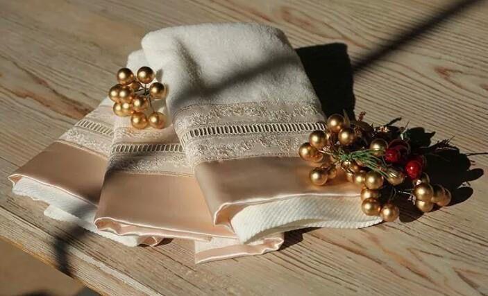 Elegant gift ideas from Lale Devri İstanbul...