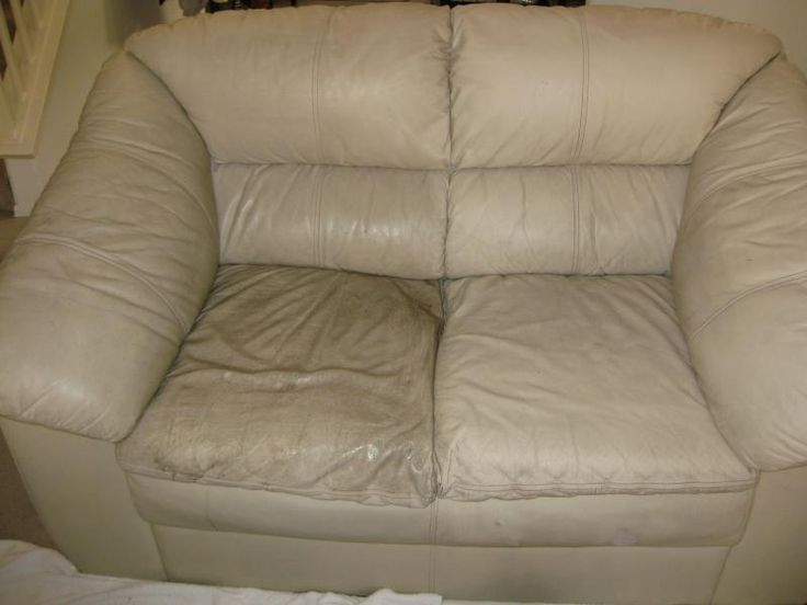 How to clean leather couches/Half-cleaned couch