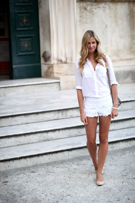 making every italian mans jaw drop @Katie Leavitt: Summer White, Fashion, All White, Crochet Shorts, Spring Summ, White Outfits, White Lace Shorts, White Blouses, Old Navy