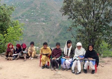UNESCO Le droit à l'éducation est un droit fondamental de l'homme, indispensable à l'exercice de tous les autres droits de l'homme.