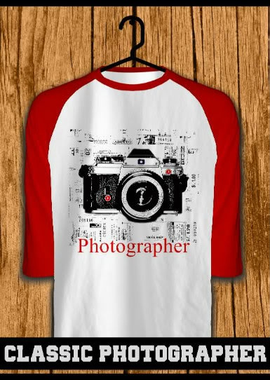 ourkios - Classic Photographer Red Raglan