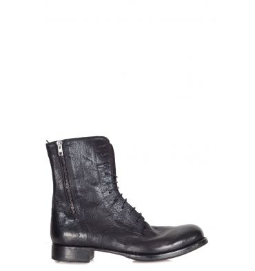 Open Closed - Low boots - 300681 - Black - 36000   Hammered leather ankle boots. Round tip. Low heel. Front lacing. Side zippers. Leather insole. Sole in leather and rubber. Heel height: 3 cm. Made in Italy.