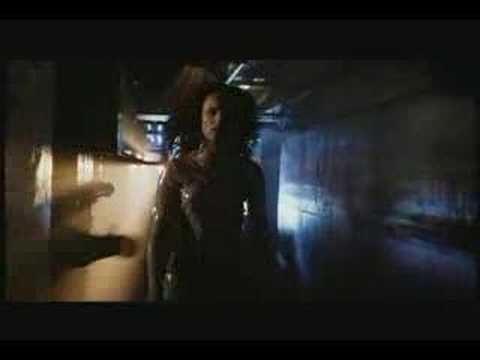 Esta es una de mis favoritas, una maravilla STRANGE DAYS -  Trailer ( 1995 )