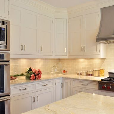 Taj Mahal Quartzite with Manhattan Field Pumice Crackle backsplash