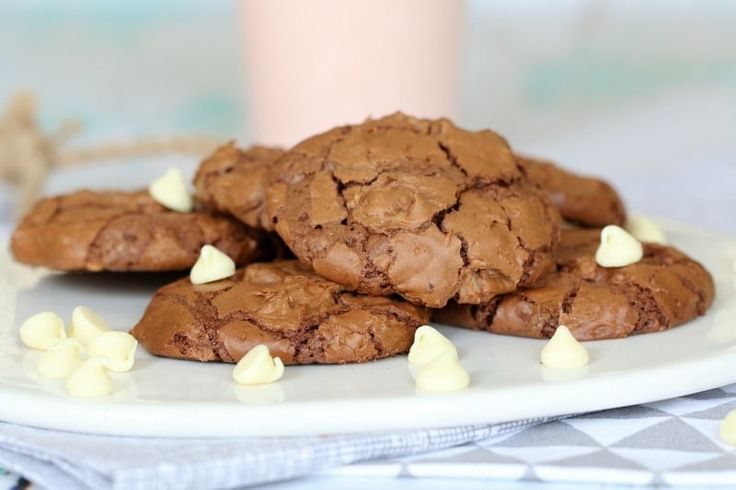 These Chewy & Fudgy Double Chocolate Brownie Cookies have all the goodness of a brownie... but in a delicious little cookie!